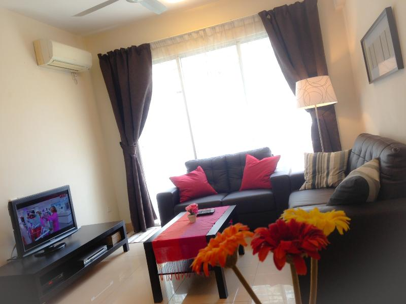 Living Room - Cosy, Clean and Modern Service Apartment - Kuala Lumpur - rentals