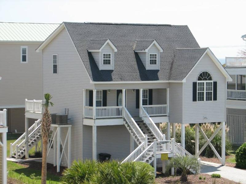 "312 Seaview Ln - ""The Lighthouse"" - Image 1 - Edisto Beach - rentals"