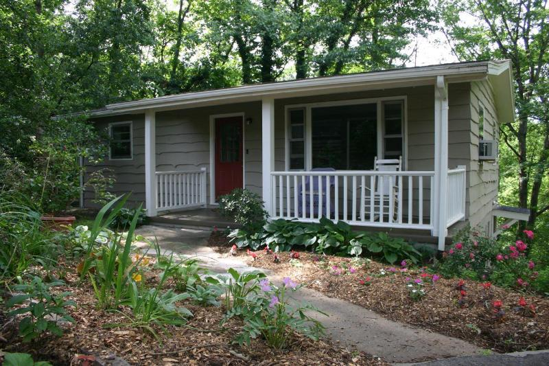 Lakeside Garden Cottage - Lakeside Garden Cottage - Asheville - rentals