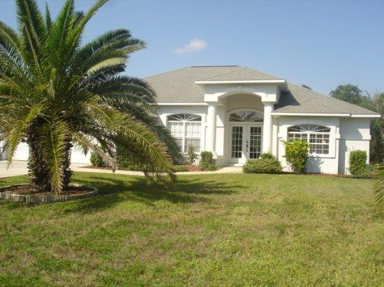 Lemon 2 - short walk to Manasota Beach with pool! - Image 1 - Englewood - rentals