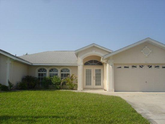 Marker - canal view with pool and games room - Image 1 - Rotonda West - rentals
