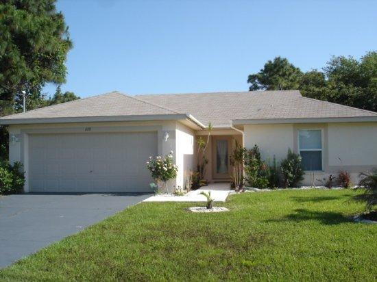 Exterior - Wayne - lovely home with pool mins to everything - Rotonda West - rentals