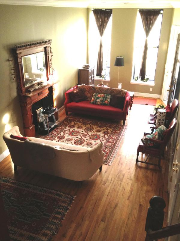 Living Area (from stairs) - Huge 3 Bedroom Manhattan House Central, Garden - New York City - rentals