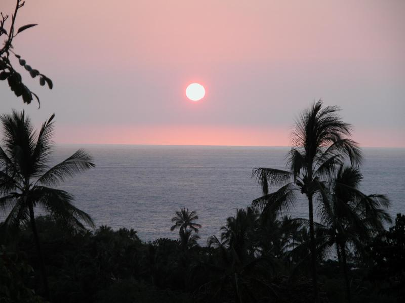 One of your nightly sunsets.  Sometimes red/orange or darker pink! - Specials! Panoramic Ocean View Gems. Now 2 Condos! - Kailua-Kona - rentals