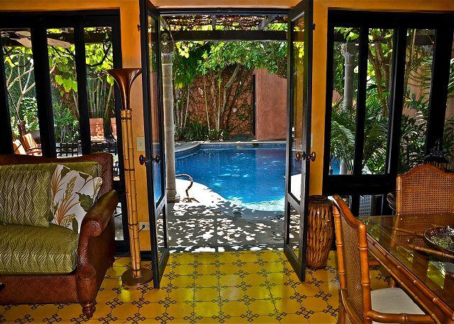 Beautifully furnished private villa- across from beach, pool, gas grill, a/c - Image 1 - Tamarindo - rentals