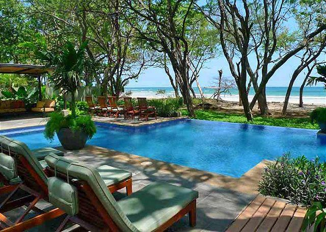 Pool and beach - Luxurious 2 story home with pool, aand short walk to the beach - Tamarindo - rentals