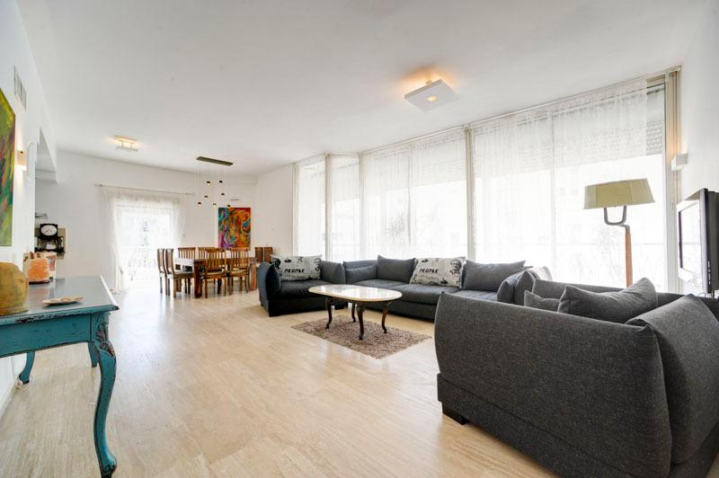 Best Location  Luxurious 3BR Penthouse W/Parking - Image 1 - Tel Aviv - rentals