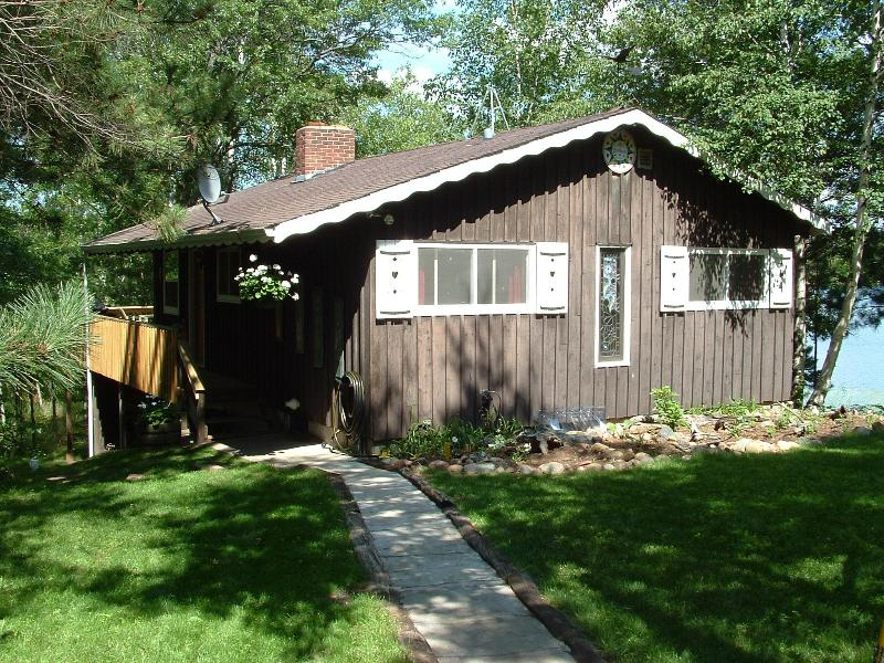 Handcrafted Cabin Set on Point - Private Lakeside Cabin: Weekly and Long Weekend - Spooner - rentals