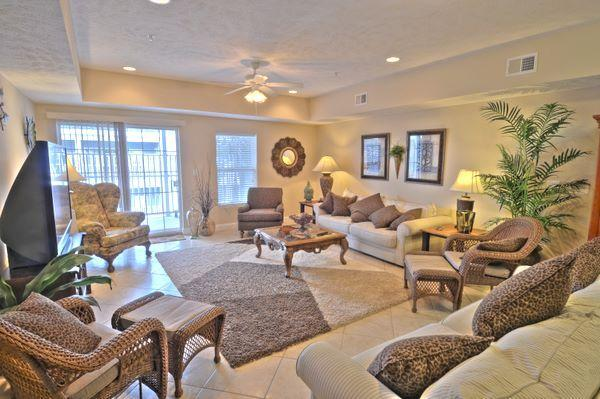 Den Sitting Area #1 - Spacious 4 Bedroom Ocean View Condo - Myrtle Beach - rentals