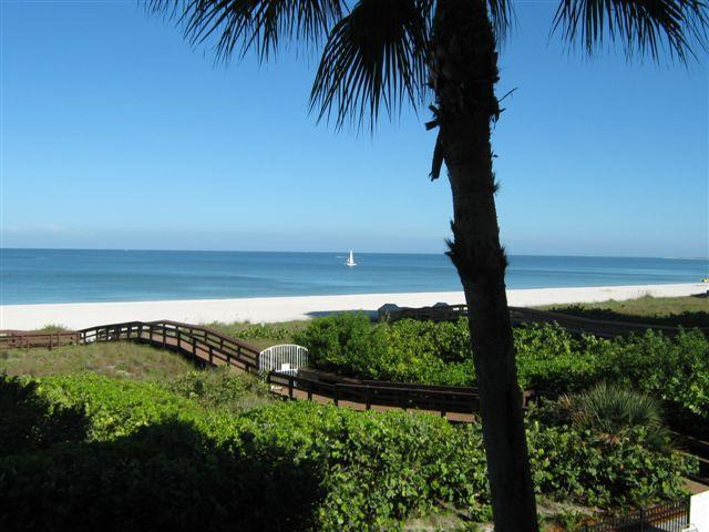The View - Somerset #213 Beautiful beachfront Remodeled 2/2 - Marco Island - rentals