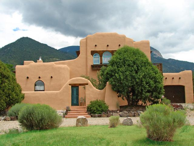 Two story adobe with mountain backdrop and awesome mountain views - Casa Anna - Taos - rentals