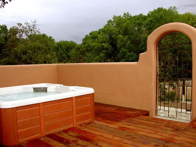 Enclosed hot tub - Casa Artesia Full - Taos - rentals