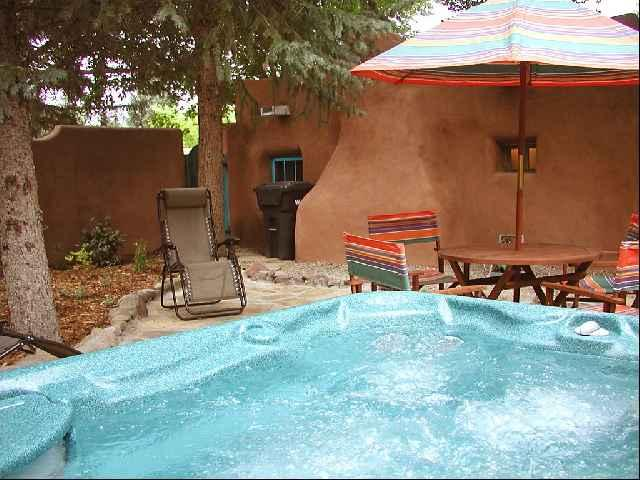 Very private walled patio with Hot Tub - Casa Encantada 1 - Taos - rentals