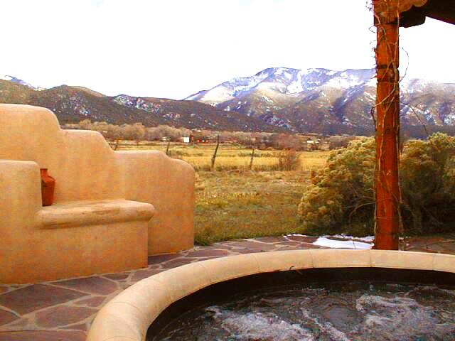 Hot tub with Taos mountain and pasture views - Casa Monta?±a* - Taos - rentals