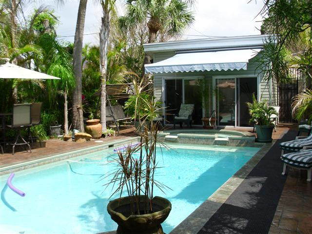 pool area and weight room - Florida Apartment/Flat Vacation Holiday Get-a-way - Saint Petersburg - rentals