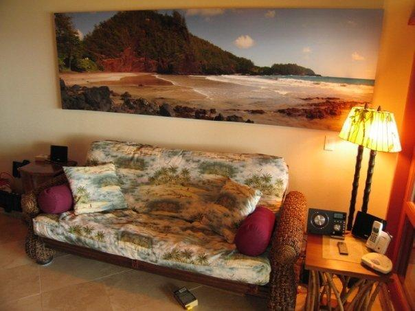 Comfy futon below is great for napping, and pulls out to a full size bed too - Gorgeous Oceanviews! ROMANTIC Hana Kai 206 - Hana - rentals
