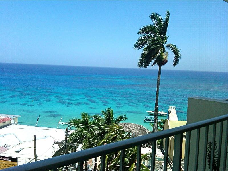 View from Balcony - Best Location! Steps to Doctor's Cave Beach! WIFI! - Montego Bay - rentals