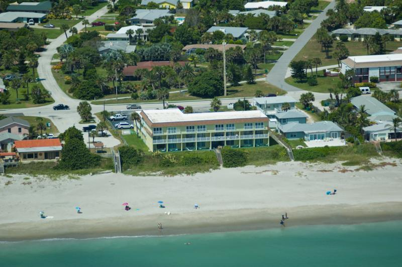 wide expansive beach - 2nd FL ocean side with Balcony - Indialantic - rentals