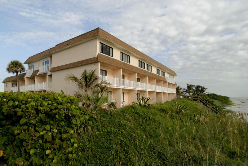 Tuckaway Hotel View - 3rd FL Direct Oceanfront w/Euro Folding Glass Door - Indialantic - rentals