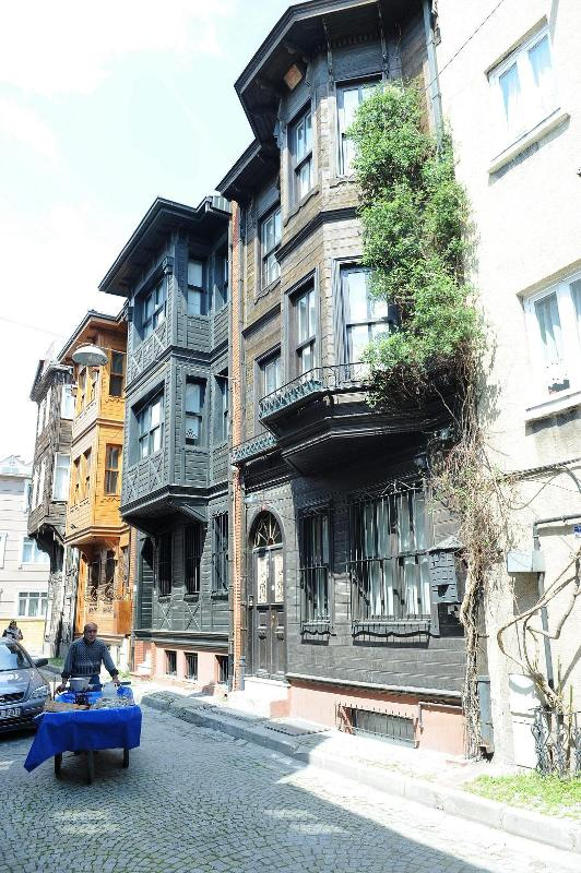 View from the street - STABLESGATE HOUSE & STUDIOS - Istanbul - rentals