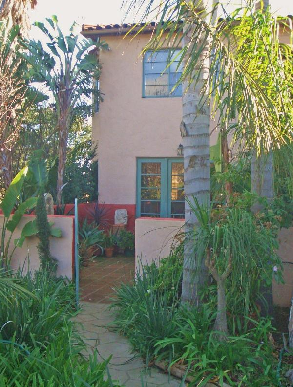 Front entrance - Spanish Mediterranean Luxury in quiet neigboorhood - Santa Barbara - rentals