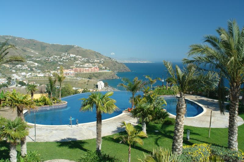 Infinity Pool - Lovely house, amazing views, fine location & pools - Almunecar - rentals
