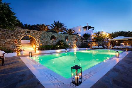 Top rated by Conde Nast Traveler, Villa Hurmuses offers sea views, chic pool & staff - Image 1 - Megali Ammos - rentals