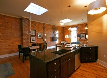 Luxurious Kitchen & Great Rm. - Luxurious Loft in the Heart of Downtown Asheville - Asheville - rentals