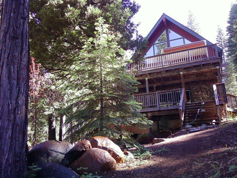 House facing Lake Almanor - Lake Almanor Lake Front Home - Lake Almanor - rentals