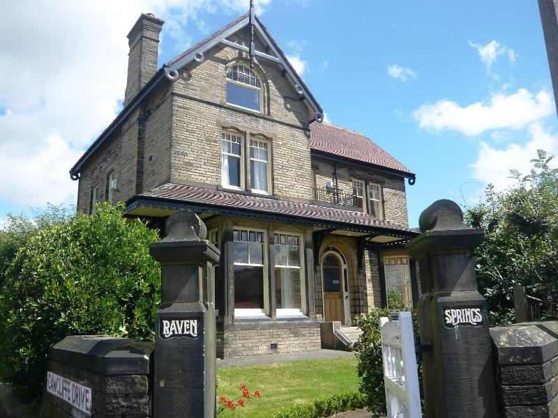 Grand and Unique Victorian Gentleman's Residence - Ravensprings a Stunning,Victorian Mansion House - Brighouse - rentals