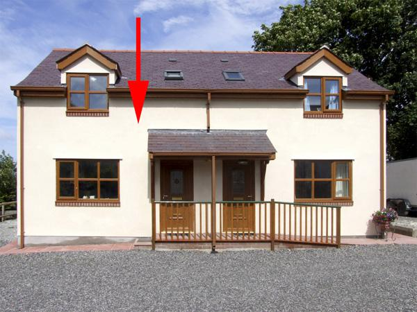 BEECH COTTAGE with a garden in Tynygongl, Ref 4185 - Image 1 - Benllech - rentals