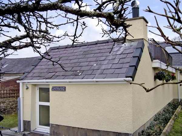 DAMAVAND, country holiday cottage, with a garden in Caernarfon, Ref 1446 - Image 1 - Caernarfon - rentals