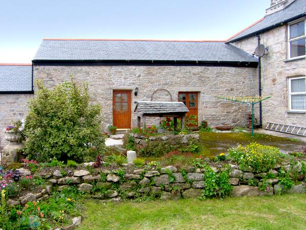 BARN COTTAGE, character holiday cottage, with a garden in Mabe Near Falmouth, Ref 2111 - Image 1 - Mabe - rentals