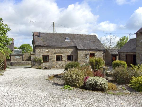 HAREWOOD COTTAGE, character holiday cottage, with a garden in Grindon, Ref 3989 - Image 1 - Grindon - rentals
