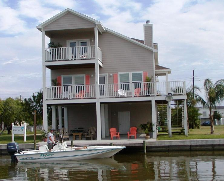 Beautiful bay views with premier fishing - Coastal Class Waterfront Fishing, Beach, Comm Pool - Rockport - rentals