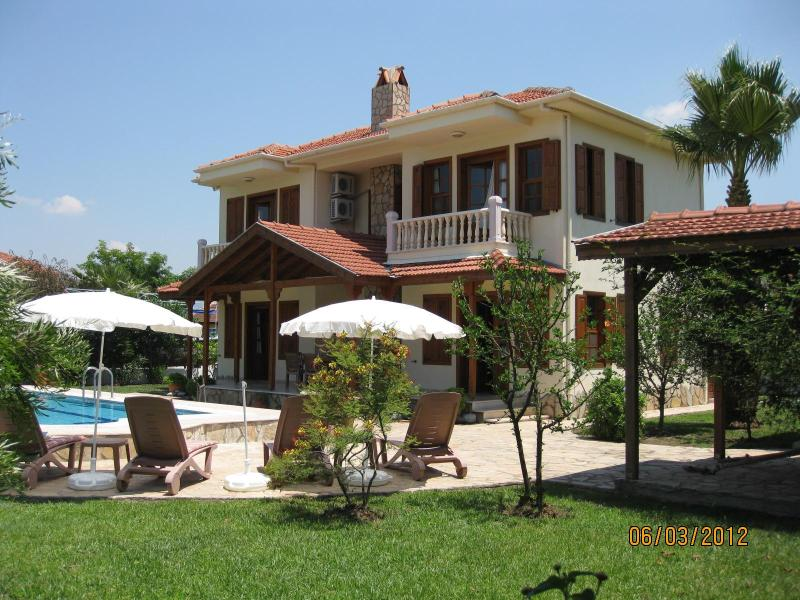 Spacious villa Hatira, totally private - Villa Hatira. Private villa sleeping 6. Full A/C. Free wifi - Dalyan - rentals