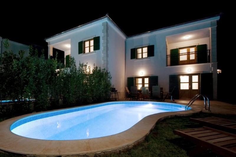 Mare 12 1024x683 - Hvar Villa with Pool, 50m from a Pebble Beach - Hvar - rentals