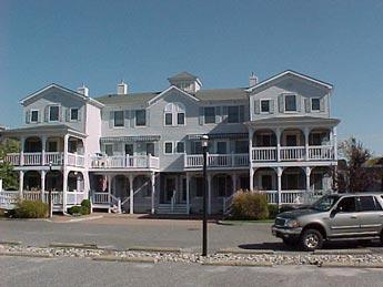 Heavenly 2 Bedroom/3 Bathroom Condo in Cape May (5870) - Image 1 - Cape May - rentals