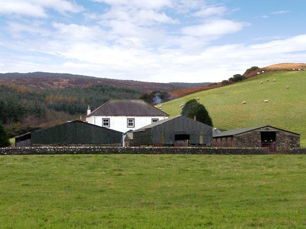 HOMESTONE FARM, pet friendly, country holiday cottage, with a garden in Campbeltown, Argyll, Ref 3729 - Image 1 - Campbeltown - rentals