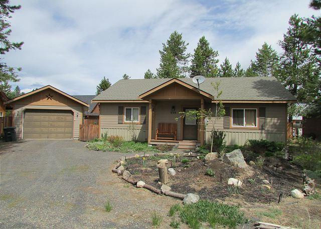 Conifer Cottage- Quiet location, walk into Ponderosa State Park & Beach - Image 1 - McCall - rentals