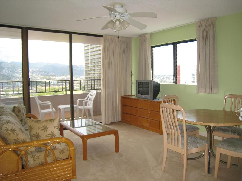 Living Rm w/queen pull out sofa - Waikiki 1BR 1BA Corner Upgraded Condo - Waikiki - rentals