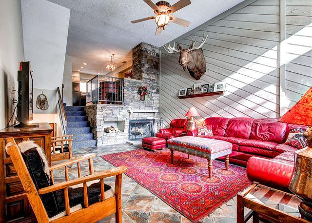 Cedars Townhomes Living Room Ski-in/Ski-Out Breckenridge Lodging - Front Row Cedars 2BR 50 Yards to Slopes/Quicksilver Lift Breckenridge Lodging - Breckenridge - rentals