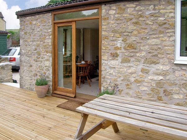 LITTLE SHORTWOOD, family friendly, country holiday cottage, with a garden in Batcombe, Ref 4218 - Image 1 - Bruton - rentals