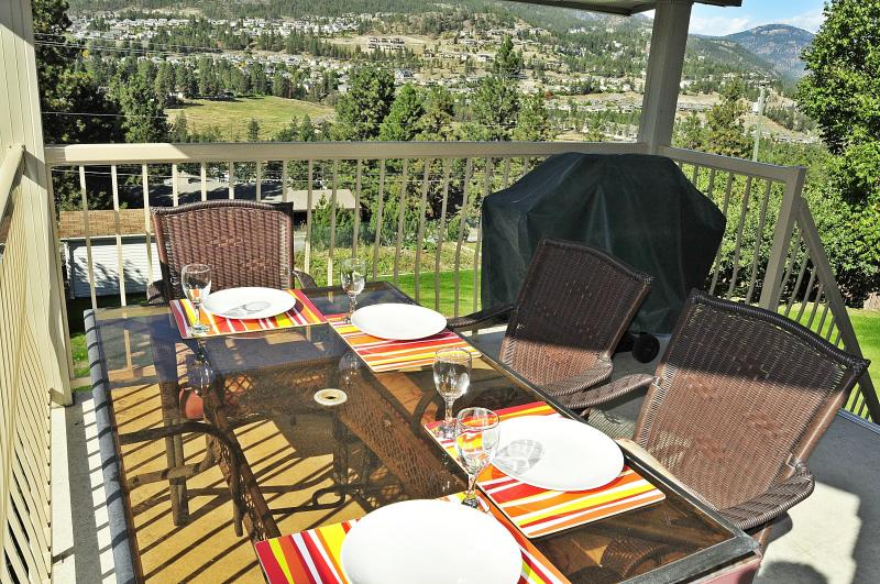 Covered Deck with table, chairs & bar-b-que. Fabulous valley and lake view. - ValleyViewVista Your Vacation Home away from home - Kelowna - rentals