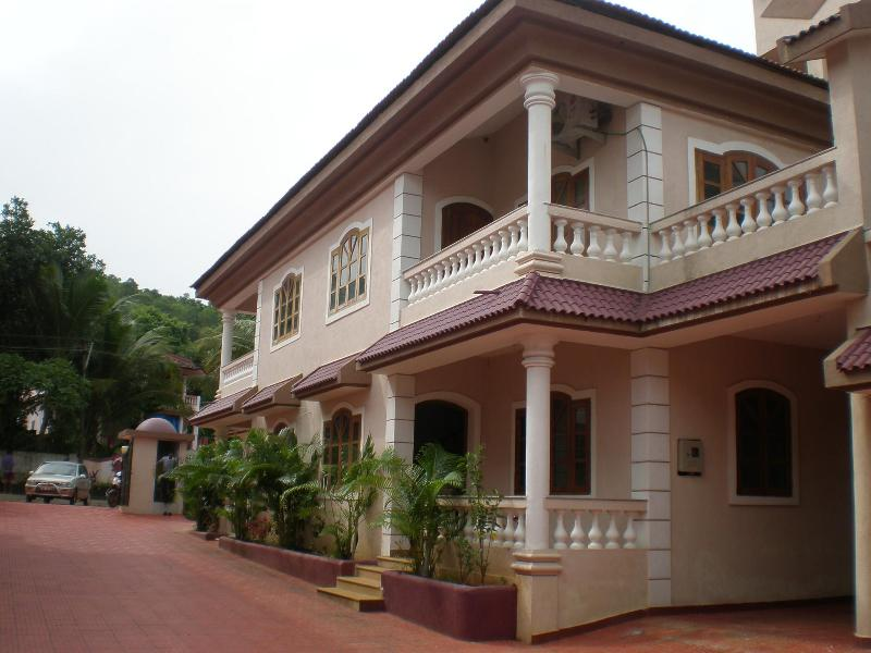 P8070260.JPG - GOA - 4BHK Villa with Pool, 5-7 mins from Baga - Bardez - rentals