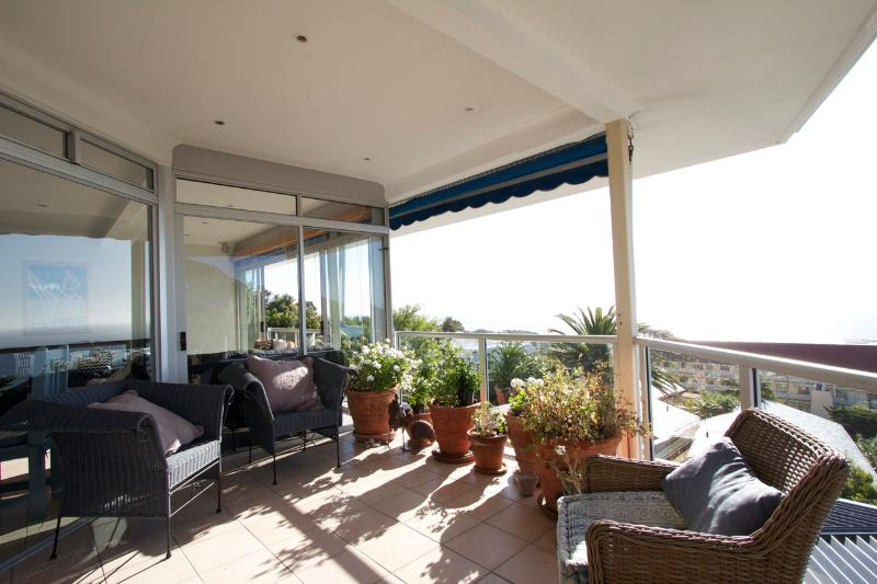 Balcony to ocean - Stunning ocean and mountain views in Cape Town - Cape Town - rentals