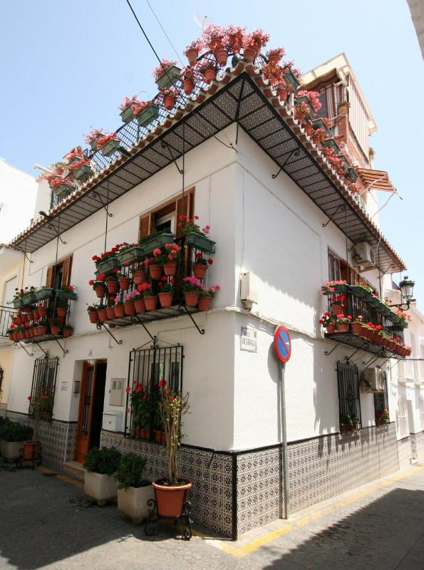 0 Front and side Casa Charlotte - Flowerhouse CASA CHARLOTTE 1st unit (ground floor) - Nerja - rentals