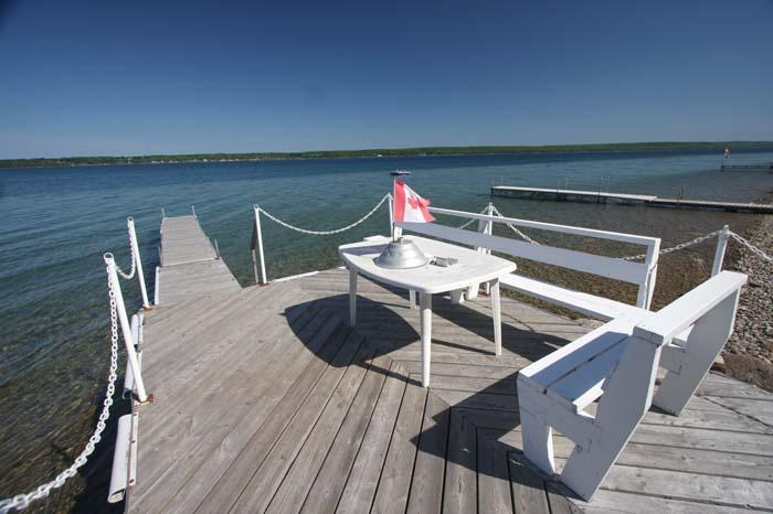 Paradise on the Bay cottage (#624) - Image 1 - Wiarton - rentals