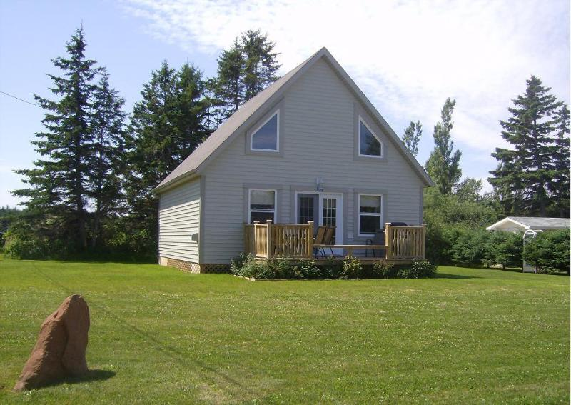 4-Star Three-Bedroom Luxury Cottage #22 - Walk to the Beach from Stanhope Cottages PEI  #22 - Stanhope - rentals