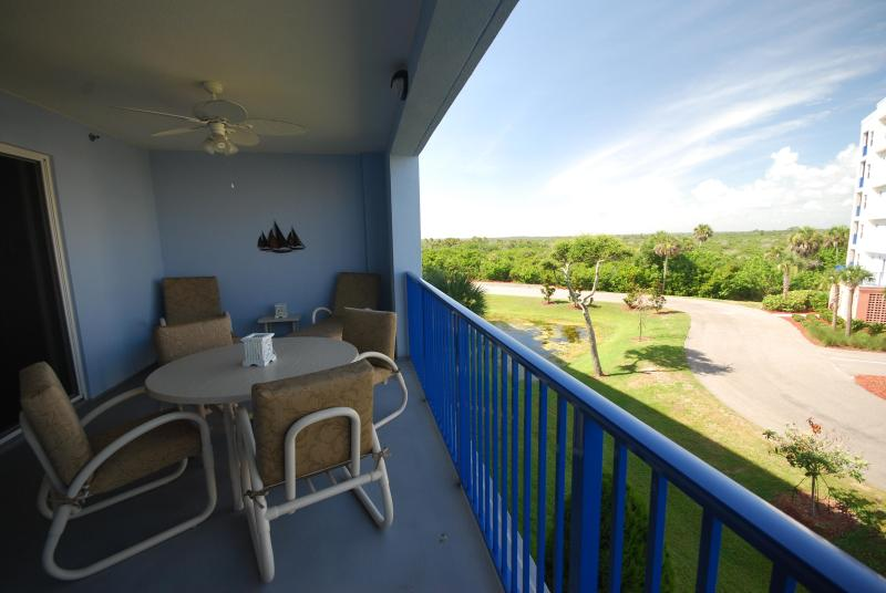 Balcony View - Oceanwalk 14-306,  2/2 Close to the Clubhouse - New Smyrna Beach - rentals